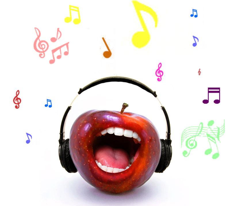 коллаж с яблоком и улыбкой в фотошопе